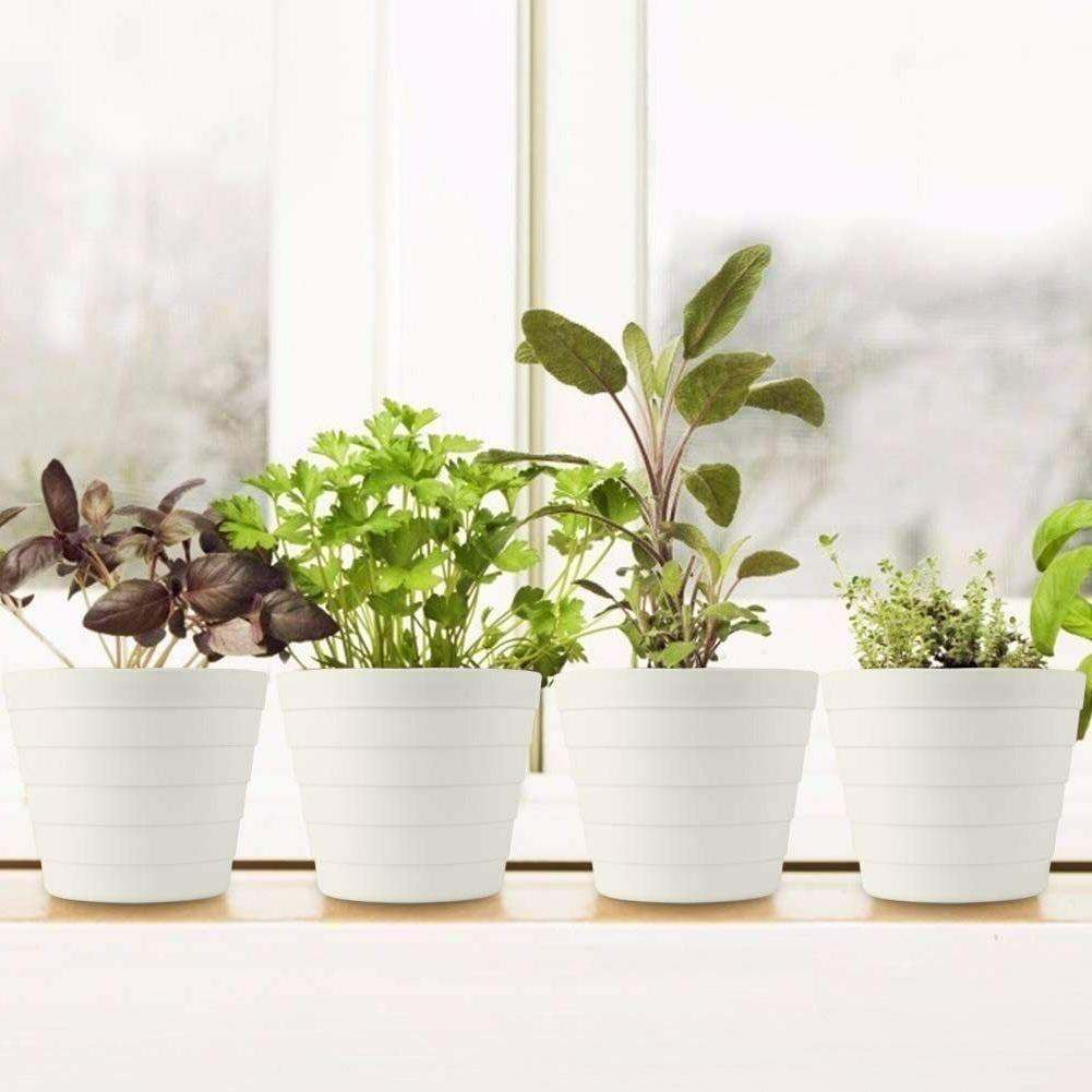 6.7'' Plastic Planters White with Holes Saucers